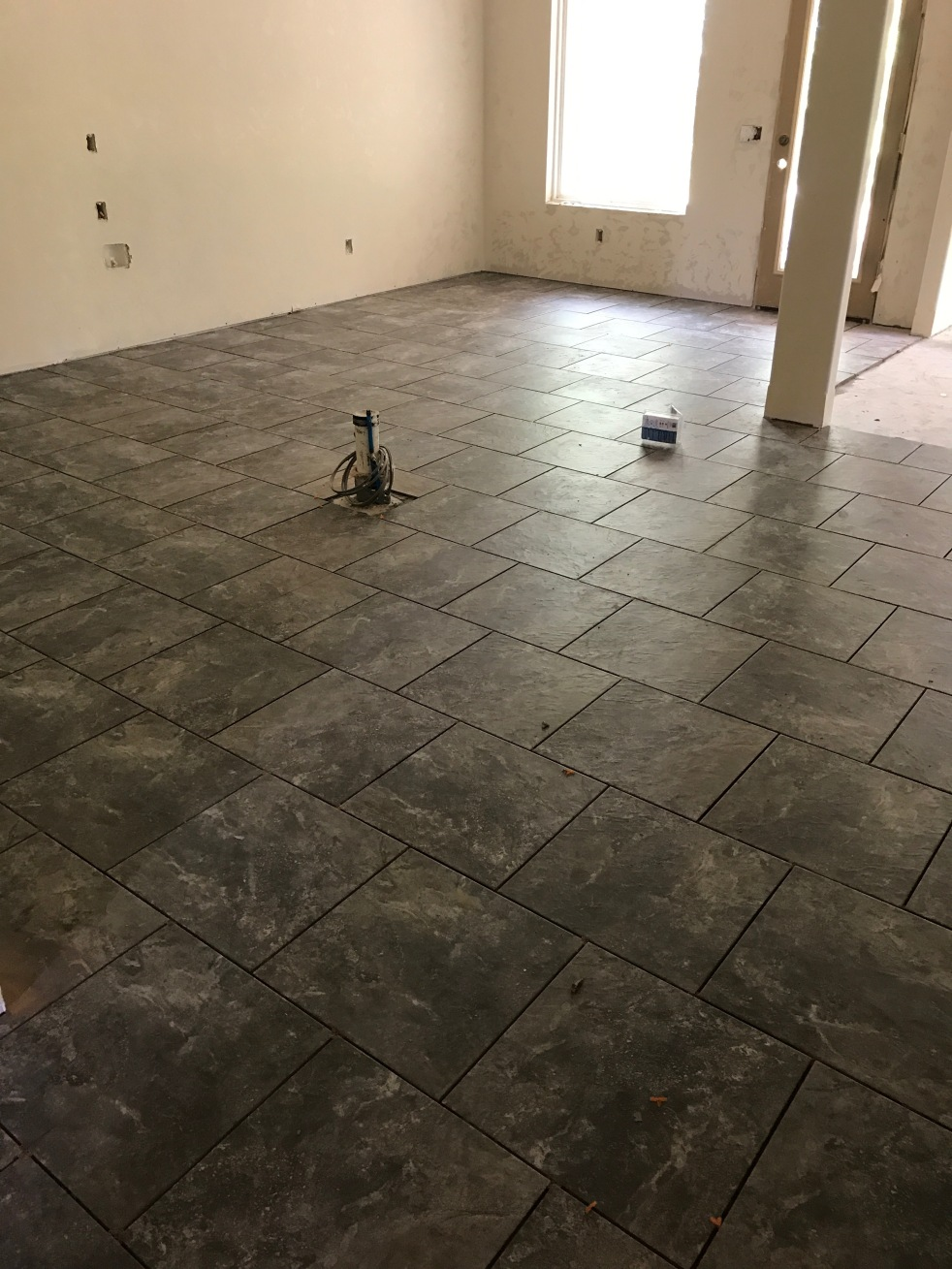 Kitchen and dining tile